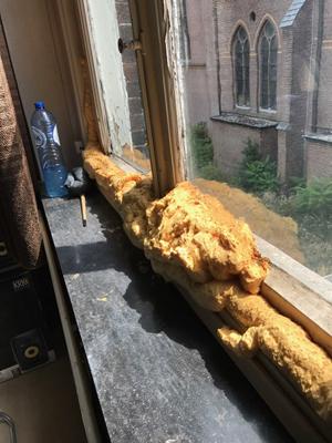 PURschuim-dichtmaken-van-raam.jpg